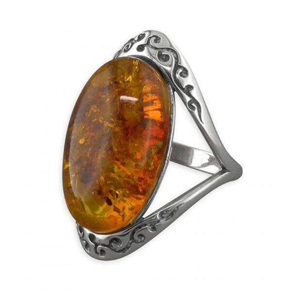 Cognac amber oval in fancy twist