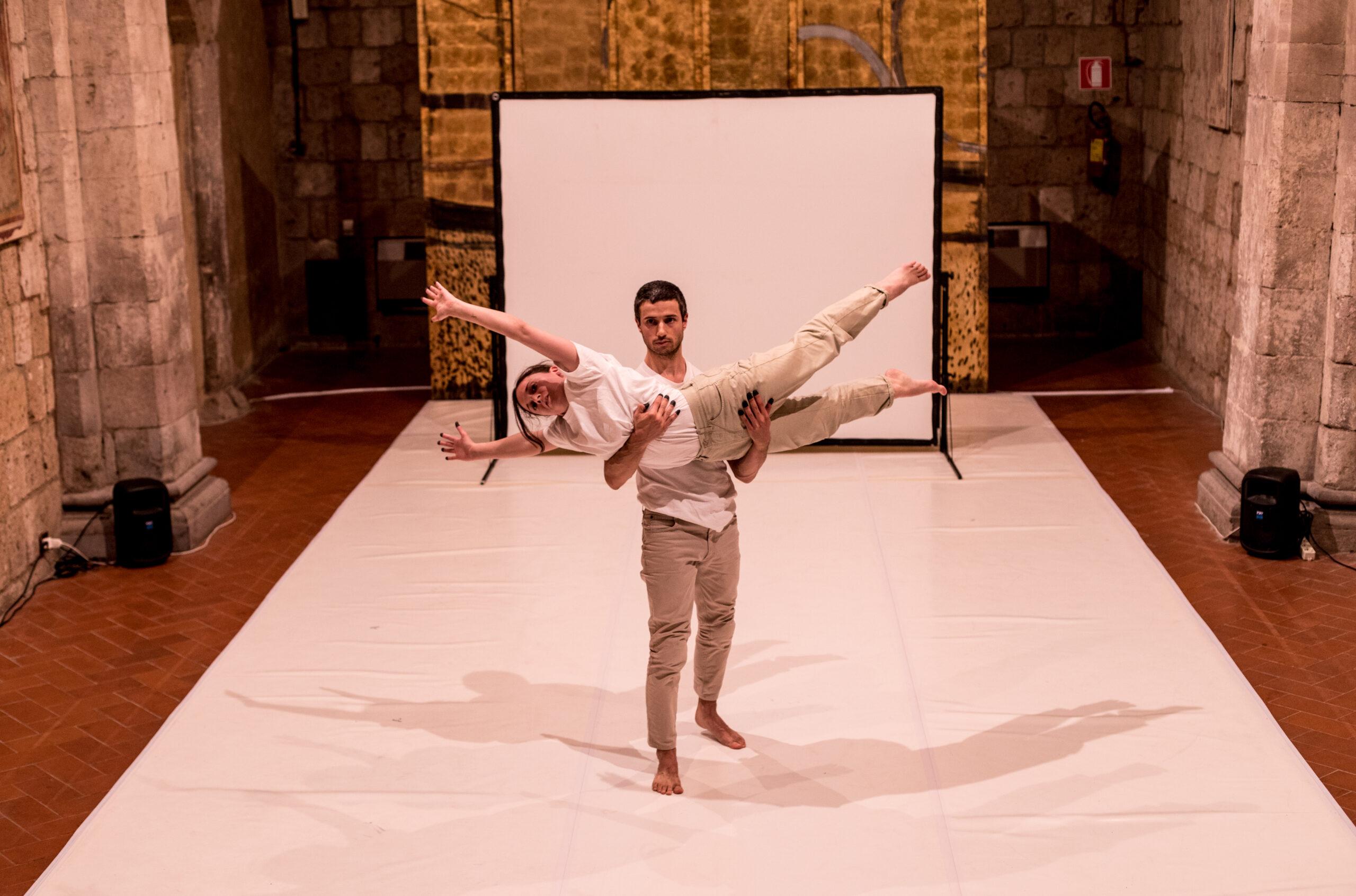 Chiara Taviani e Henrique Furtado P. Vieira - Stand Still You Ever-Moving Spheres of Heaven
