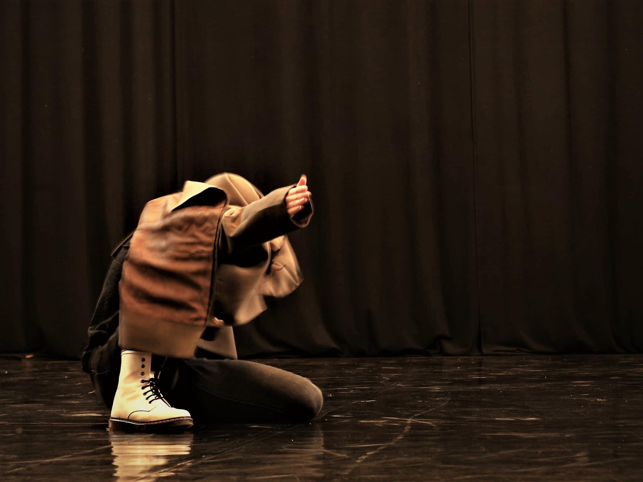 Isabèl - Anonima Teatri/TWAIN Centro Produzione Danza