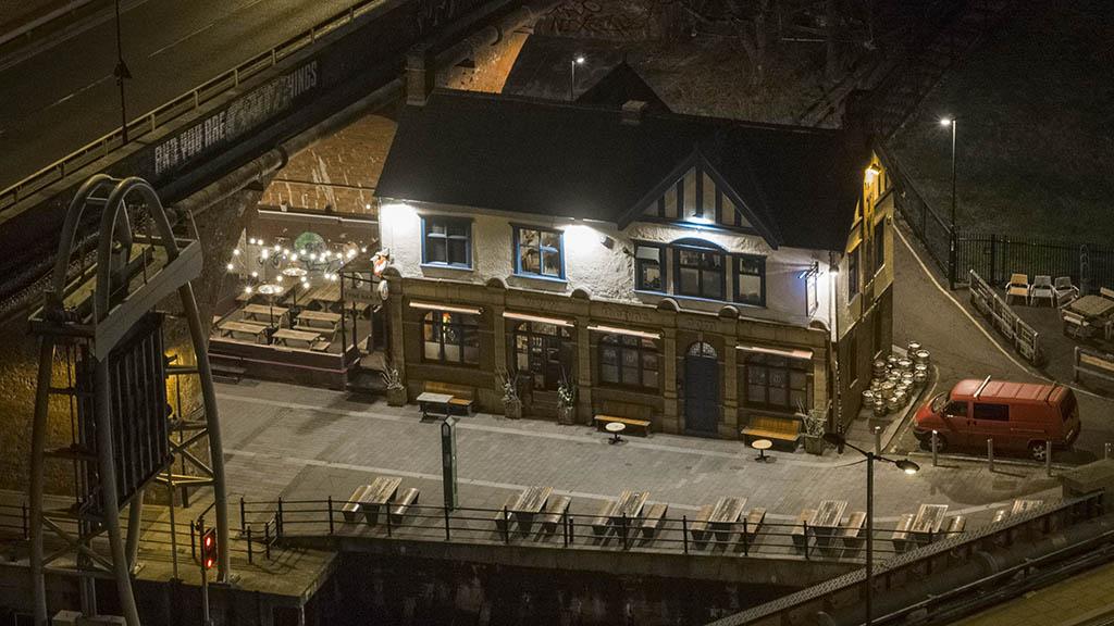 Tyne bar, historic pub on the Tyne Newcastle by drone