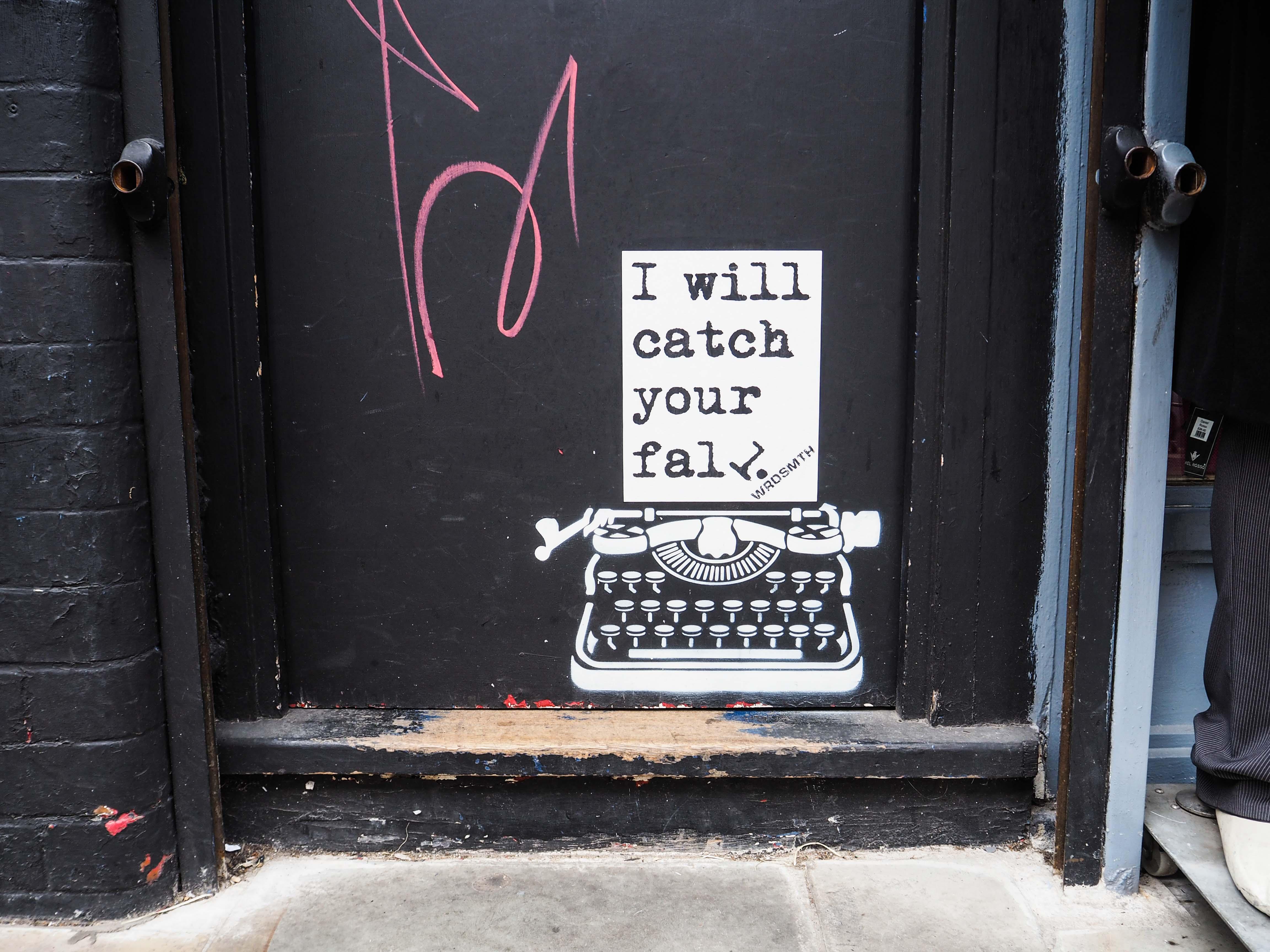 Die Schreibmaschine als Paste up von WRDSMTH