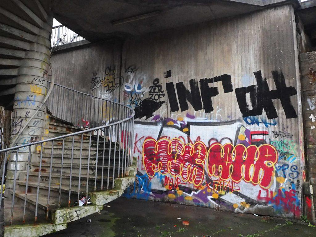 Graffiti an der Viktoriabrücke
