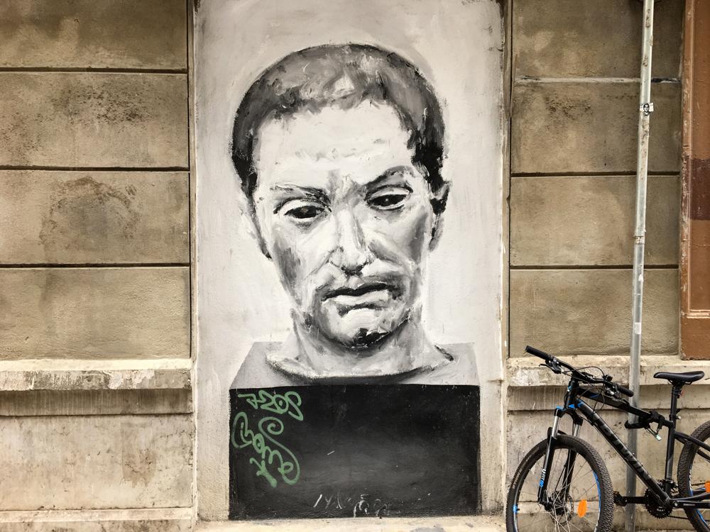 Portrait mit Fahrrad davor