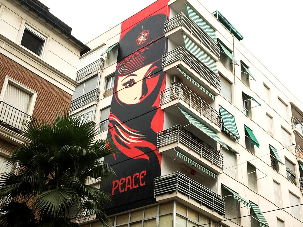 Peace,, heißt das Mural von Shepard Fairey