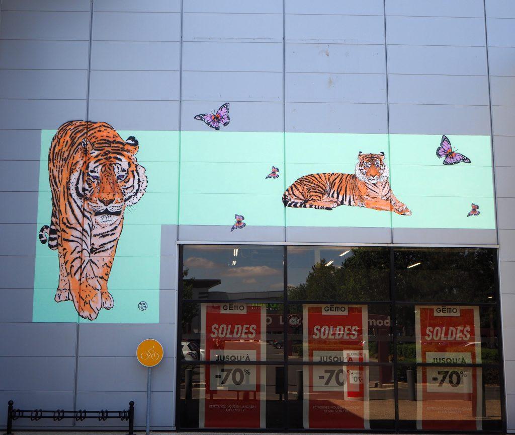Tiger und Schmetterlinge