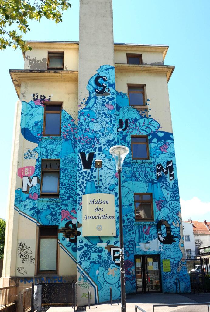 blaues Mural