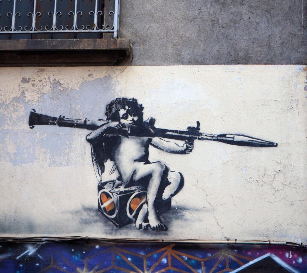 Engel mit Waffe