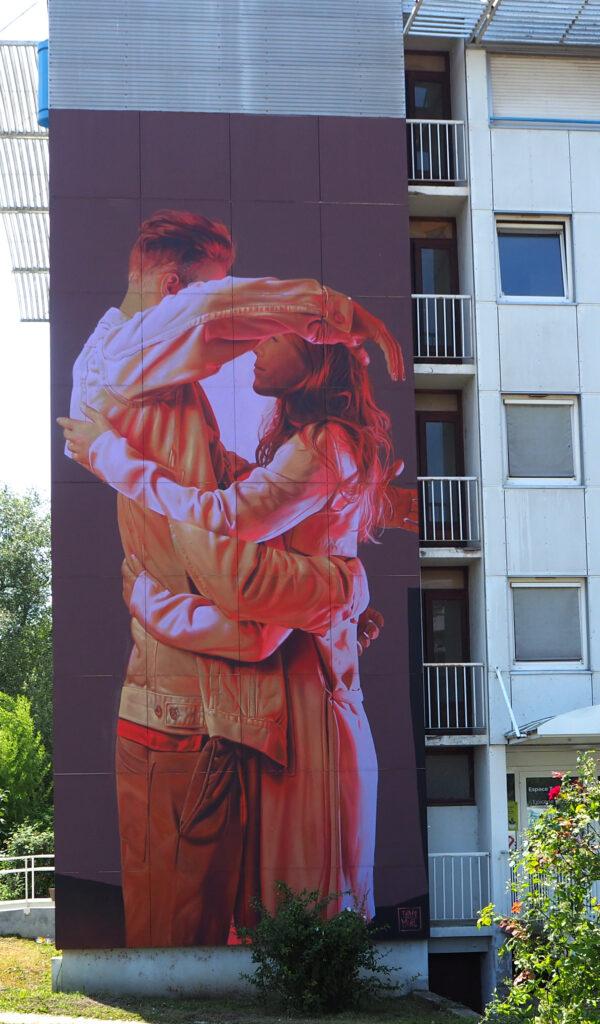 sich umarmendes Paar