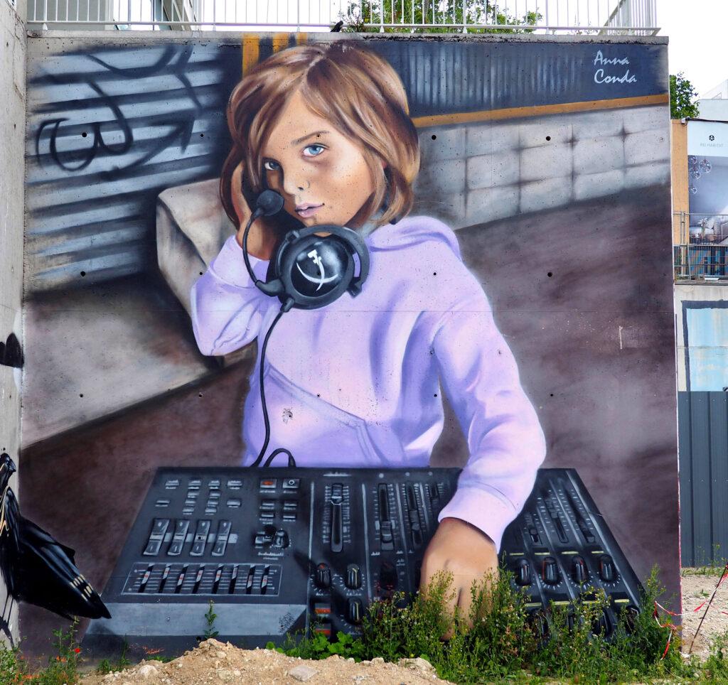 Mädchen in der Tontechnik