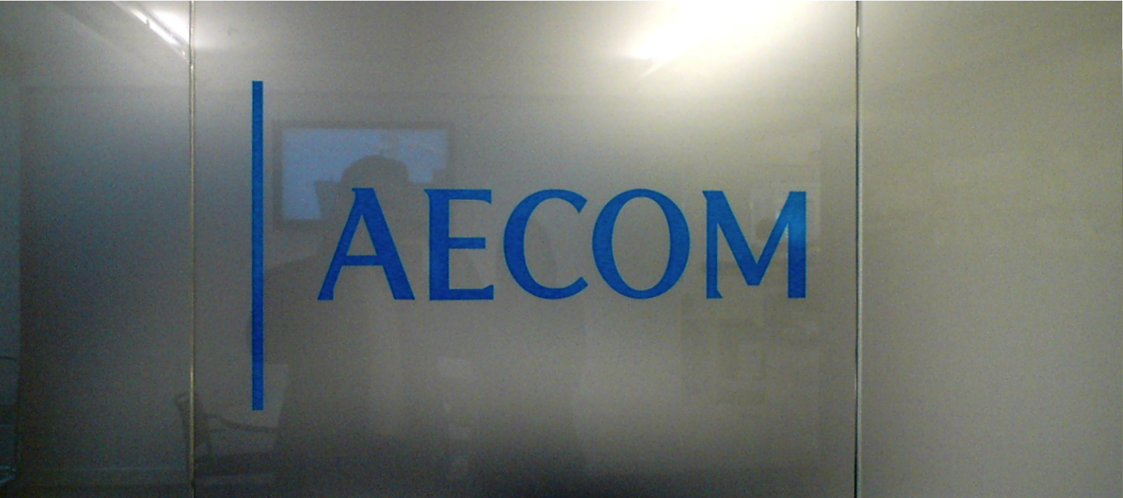 Engraved Plaques E Signs ® AECOM VINYL SIGN 4TH FLOOR ewwwe-signscouk