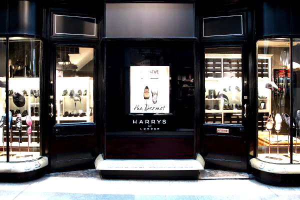 Internal Signs Illuminated Fascia Harrys of London by E Signs ® installed by www.e-signs.co.uk