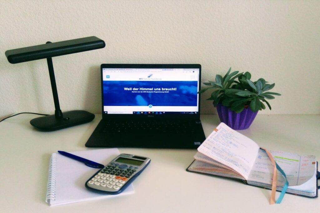 Schreibtisch Home-Office