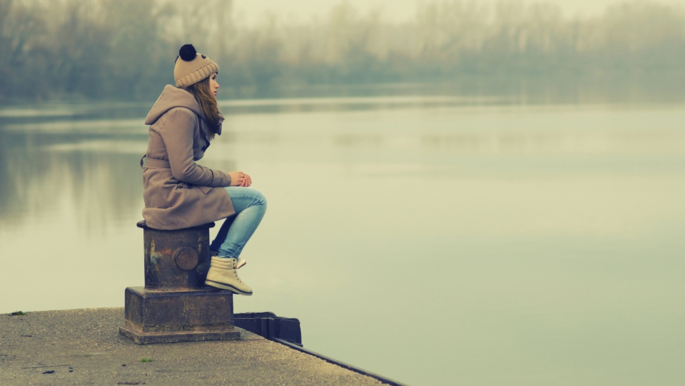 15 ways to help your lonely teen beat loneliness