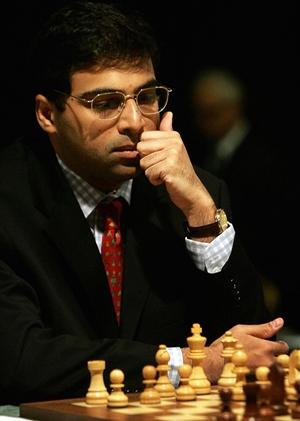 Indian Grandmaster Viswanathan Anand pla