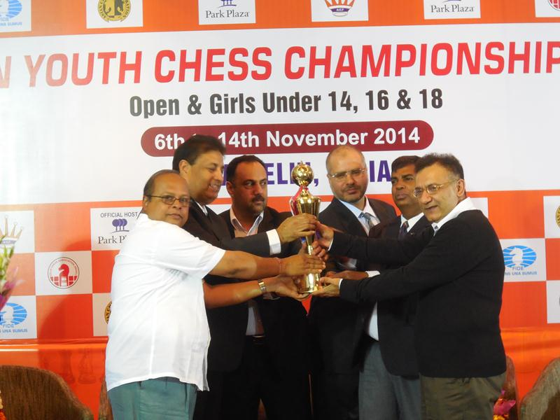 AICF CEO Mr. Bharat Singh and Vice President S C Sahu receies the overall trop, CEO and Vice P
