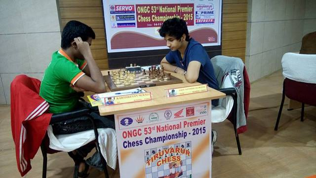 Former-under-16-world-champion-Karthikeyan-Murali-shocked-the-leader-Vidit-Santosh-Gujrathi