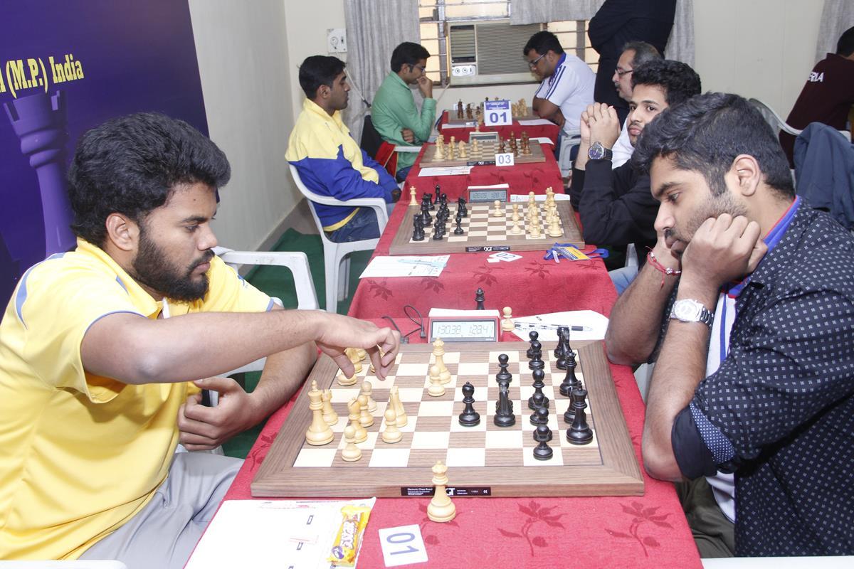 p-karthikeyan-and-sameer-ghotane-during-railway-a-and-karnataka-match-1
