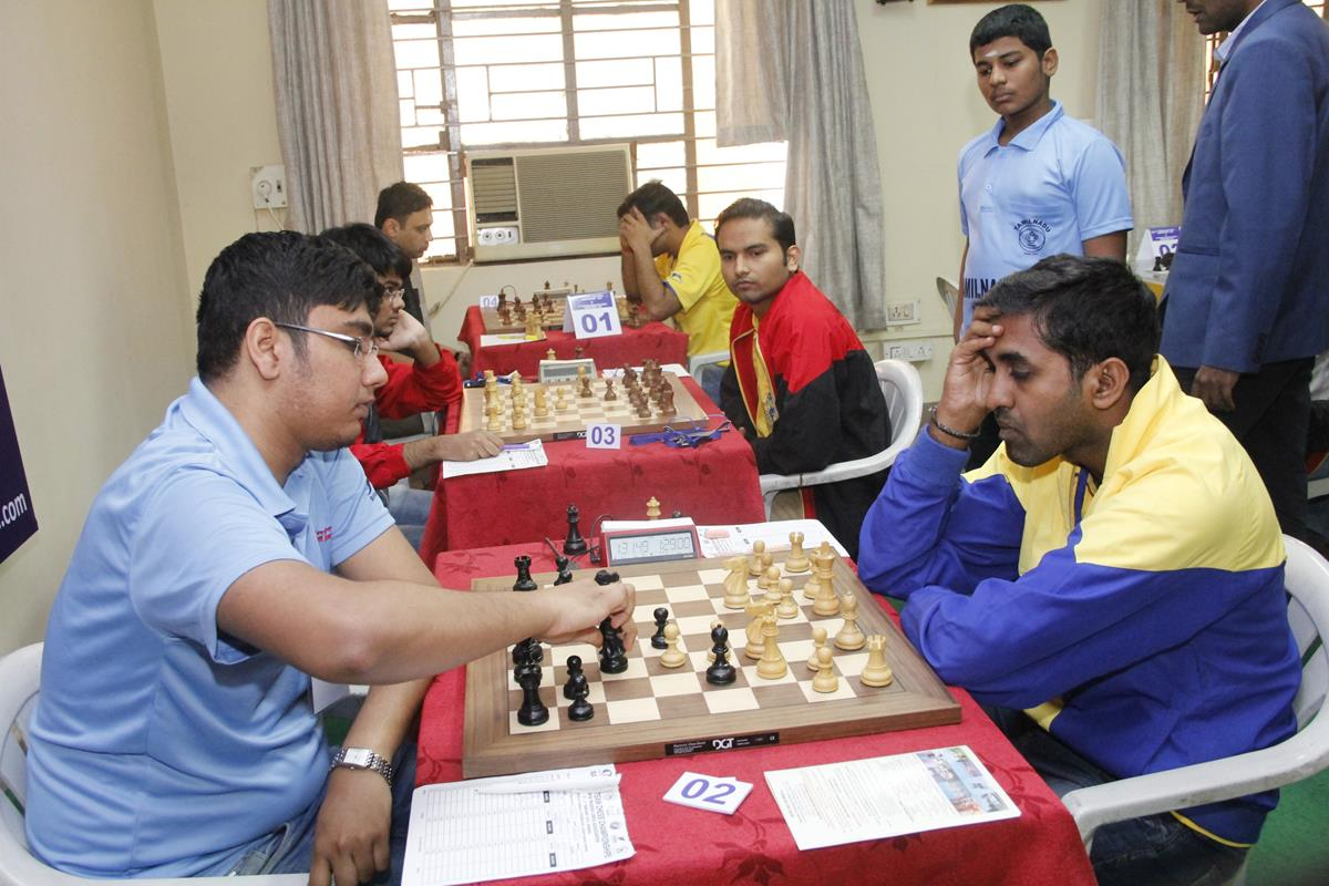 swayams-mishra-and-thejkumar-during-air-india-and-railway-a-match