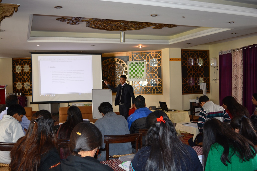 Lecturer IA Swapnil Bansod during seminar