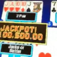 Floyd Mayweather Hits Jackpot in Las Vegas Casino After McGregor Superfight