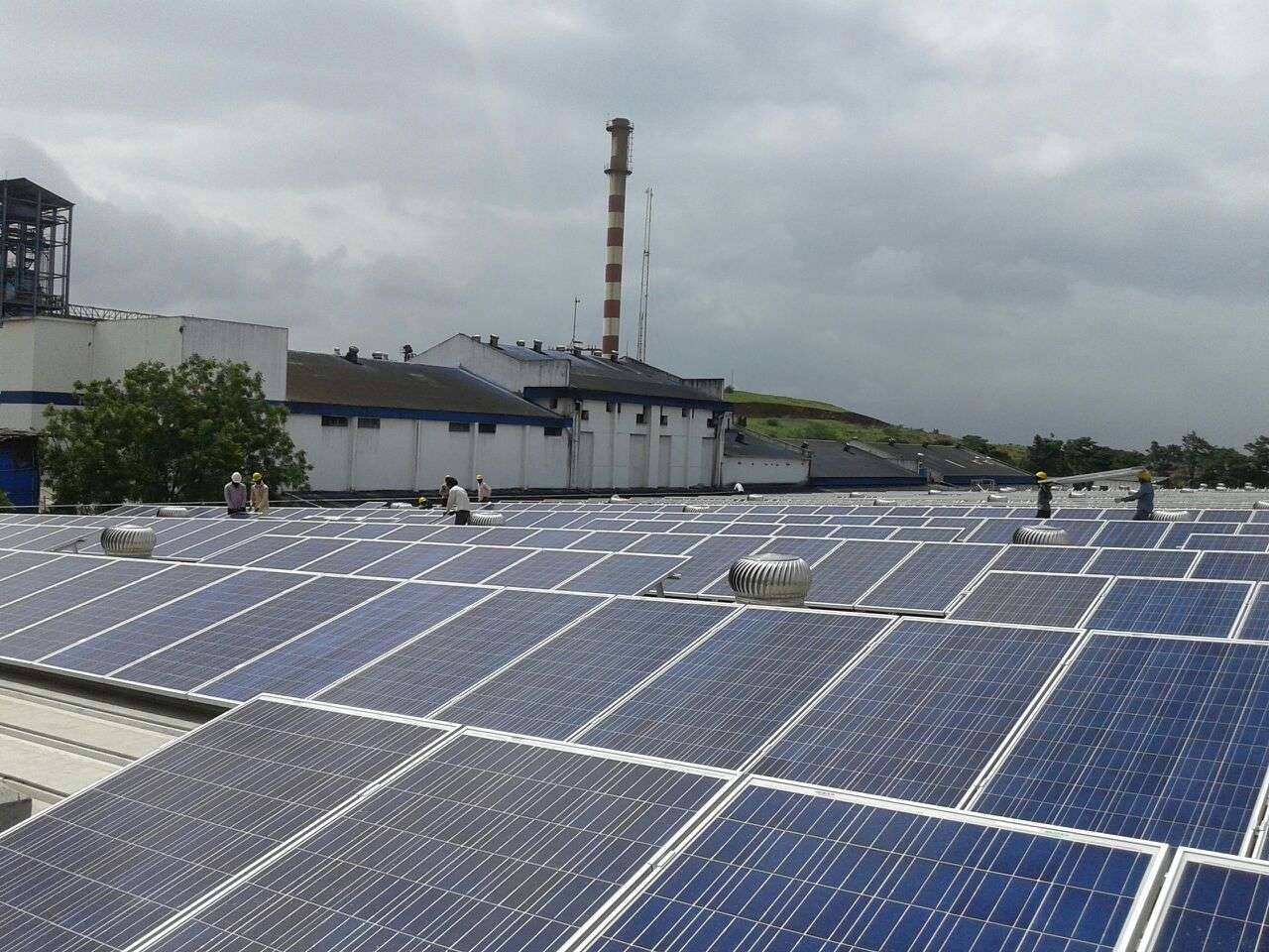 10-Clamp Triangle Structures_300KW_Ahamedabad
