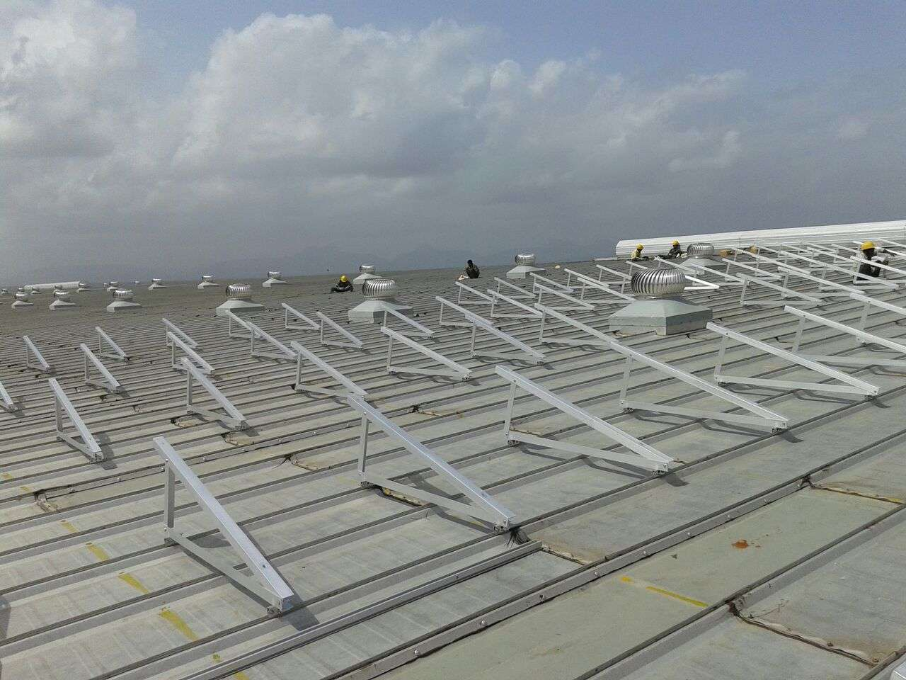 4-Clamp Triangle Structures_300KW_Ahamedabad