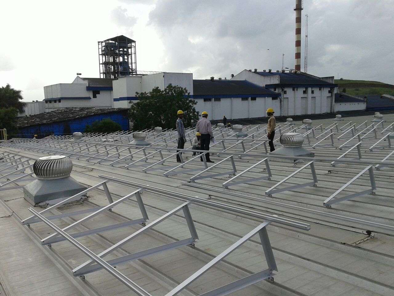 7-Clamp Triangle Structures_300KW_Ahamedabad
