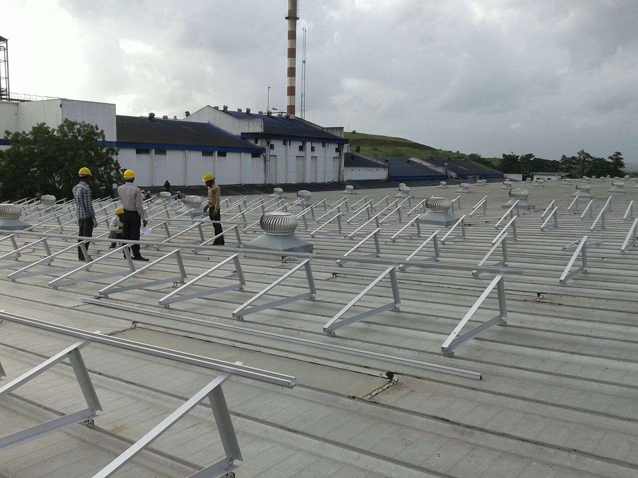 9-Clamp Triangle Structures_300KW_Ahamedabad