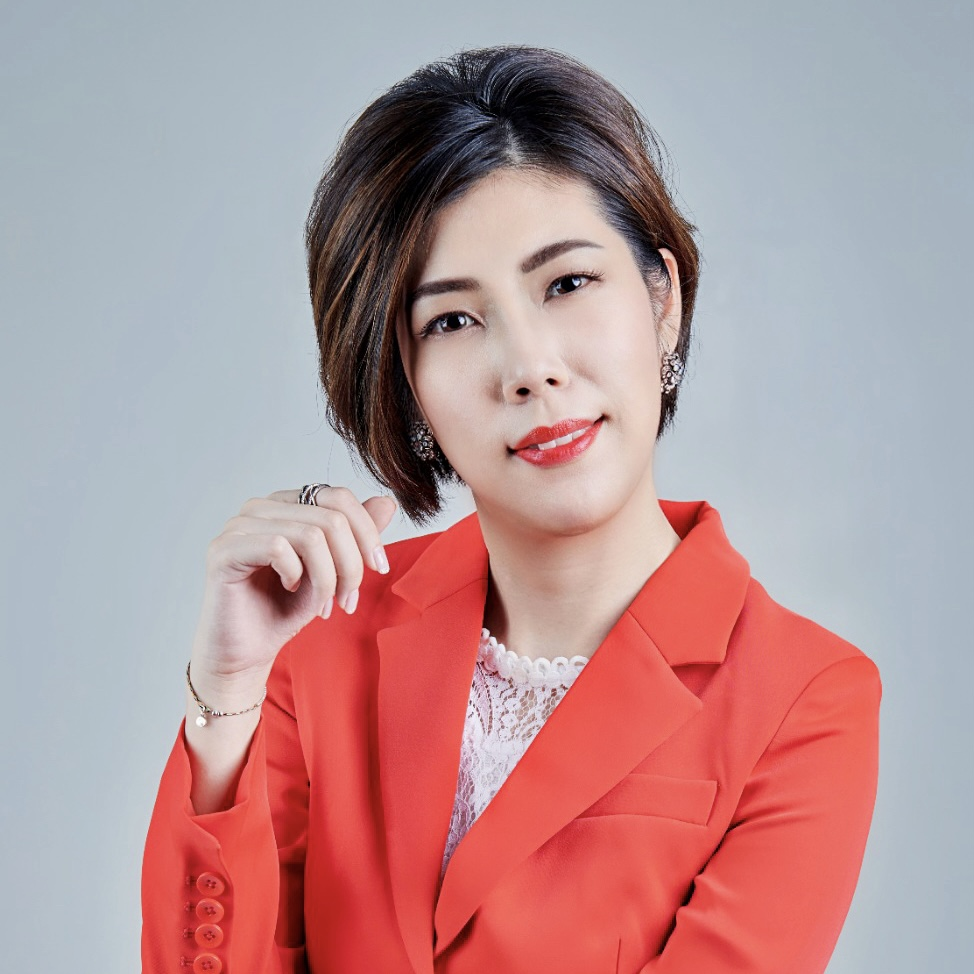 <strong>蔣一洪 Lucy Jiang</strong><br><strong>P&S ACADEMY 創辦人</strong><br><strong>香港房地產投資課程首席導師</strong>