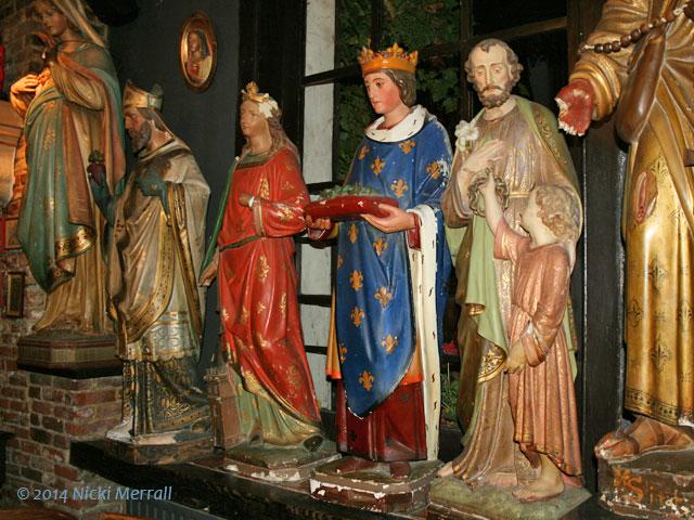 Statues in Het Elfde Gebod, Antwerp