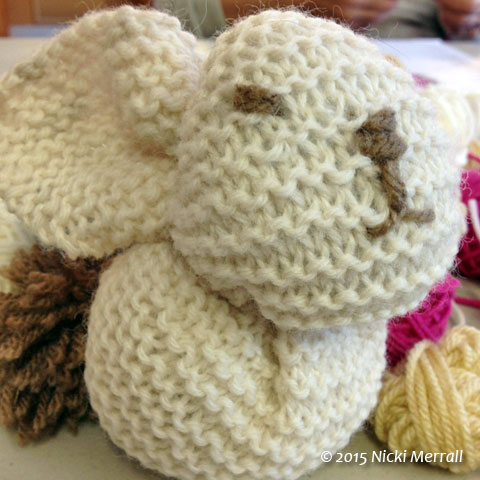 Small cream knitted bunny