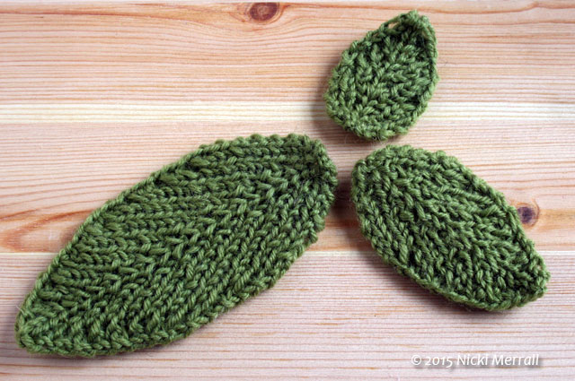 Small, medium and large leaves knitted in rib