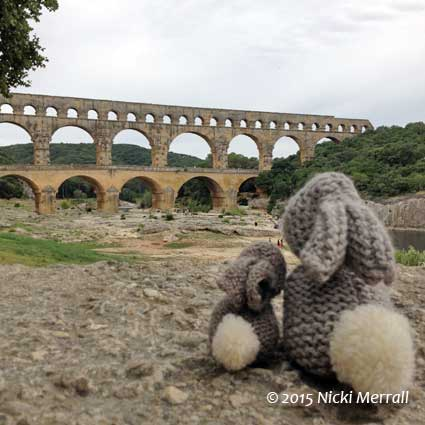 Little Bunny and Big Bunny at Pont du Gard