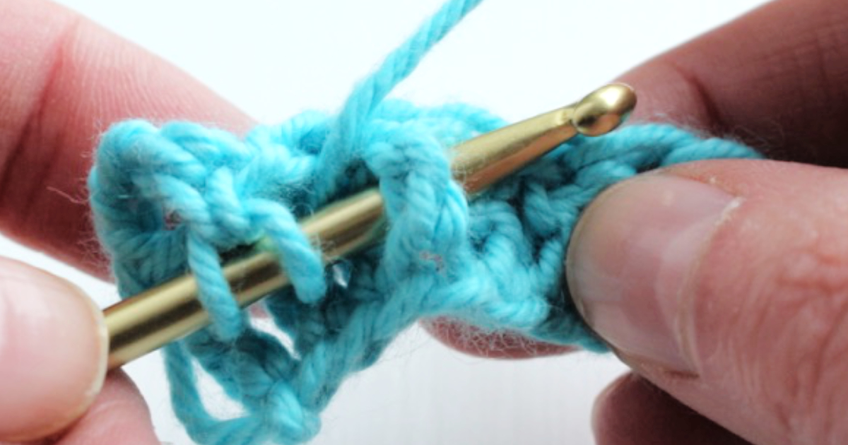 Front post stitches – a left-handed crochet tutorial