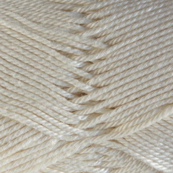 Close up of Quattro cotton yarn in shade 094 Cream.