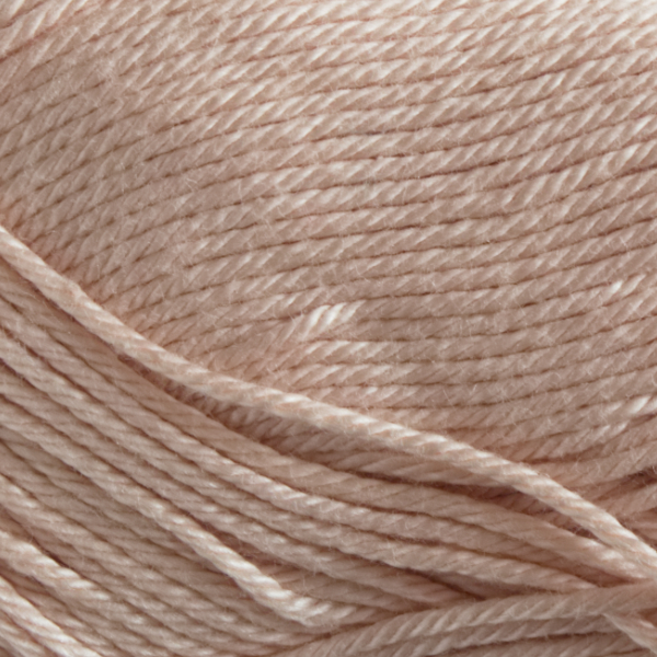 Close up of Quattro cotton yarn in shade 109 Shell.