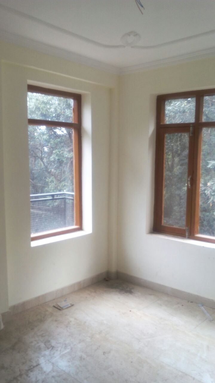 2 Bhk Non Drive Flat for sale at Near Sankatmochan — 1.5 km link from Sankatmochan —- Covered Area – 650 Sqf — Price – 29 Lakhs