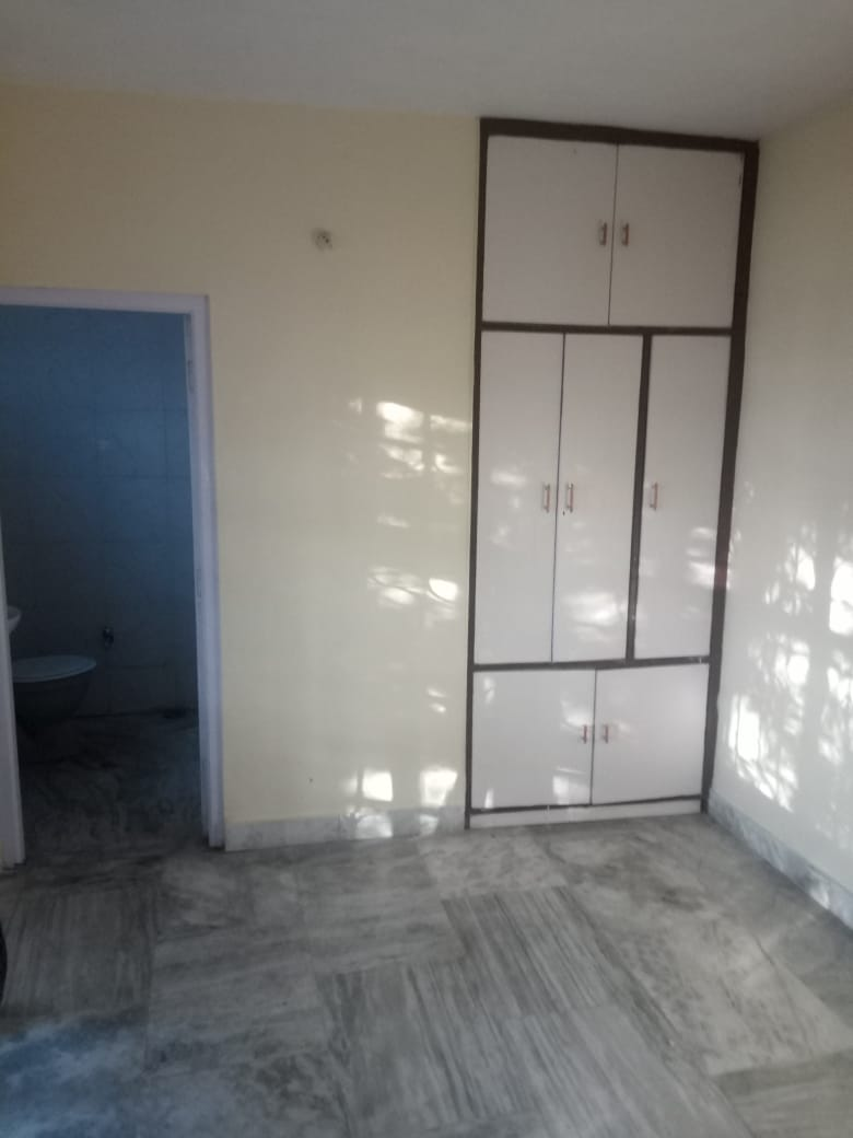 1 bhk For sale at  Near Hb Colony Flowerdele chhota Shimla – Non drive —-