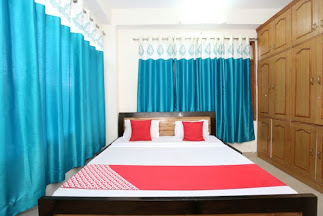 Home Stay Approved Building for sale at near Sankatmochan Shimla — Drive in with parking floor —- Plot Area – 4 biswa — Total floor – 4 —- Total rooms – 10 — Price – 2.50 Cr