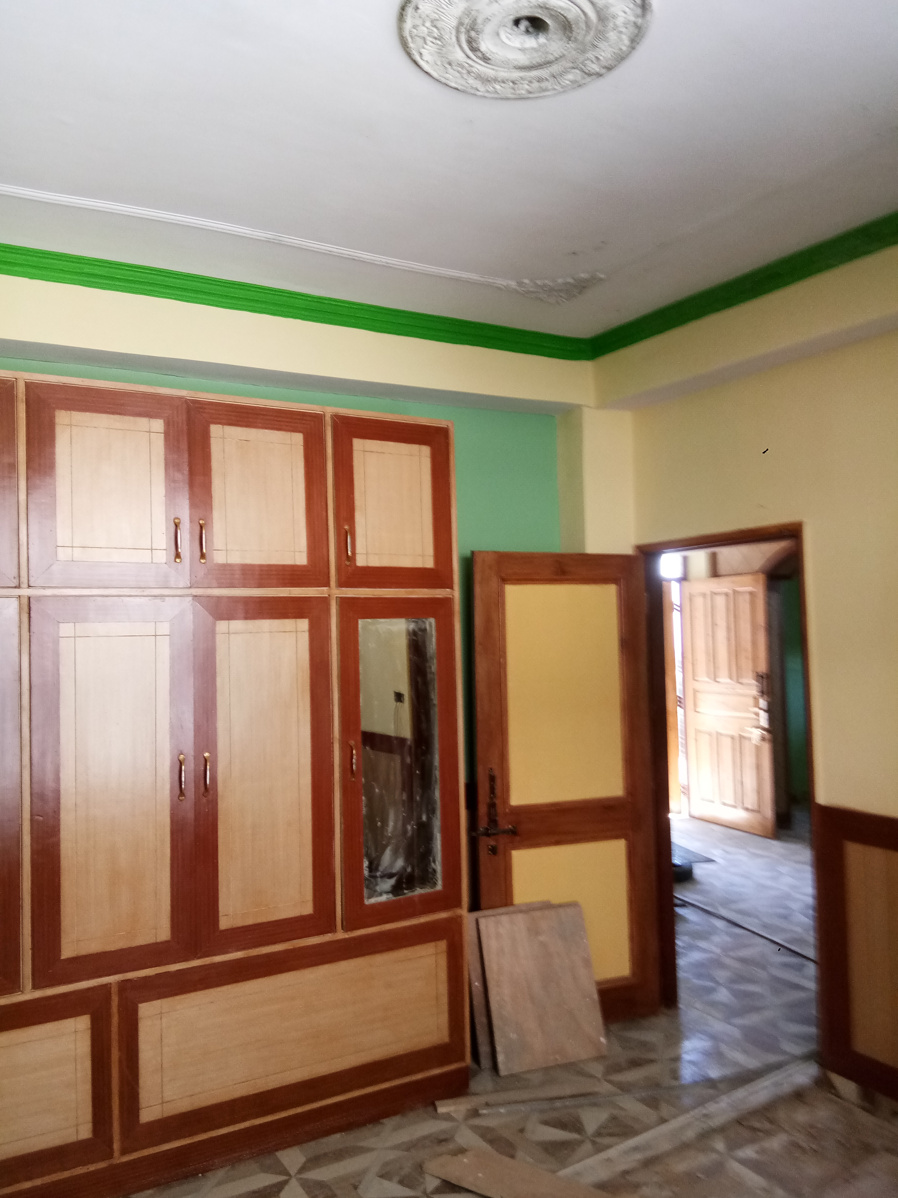 3 bhk flat for sale at Sanjauli – Dhalli by Pass Shimla — Non drive — 100 m distance From Road  — – 3 Bhk – 52 lakhs