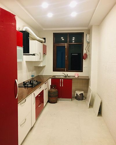 3 Bhk Flat For Sale in Panthaghati Shimla hp —- Drive in with Covered Parking —- Covered area – 1400 Sq Ft —- Lift facilities —- Sunny and beautiful View —– Price – 99 Lakhs ——- Contact – 9218227122 – 23