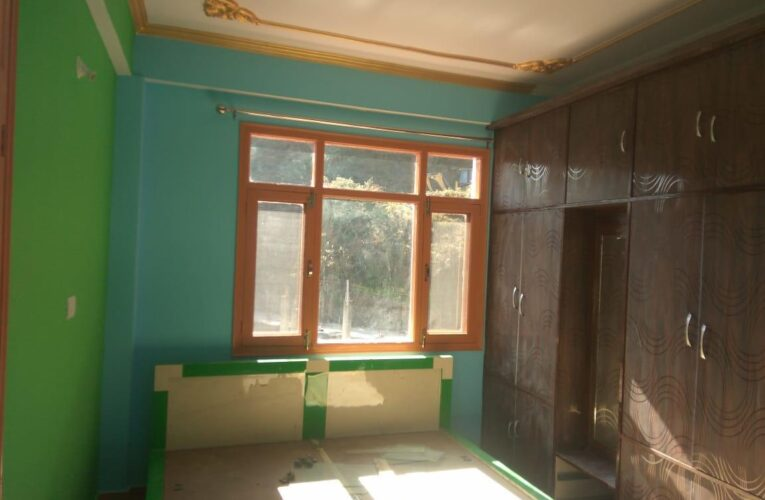 3 Bhk flat for Sale in Junga Road near Panthaghati Shimla —- Drive in —– Covered area -1200 Sq ft —- 3 Km Distance from Mehli —- Price – 60 Lakhs —- Contact :- 9218227122 – 23 –