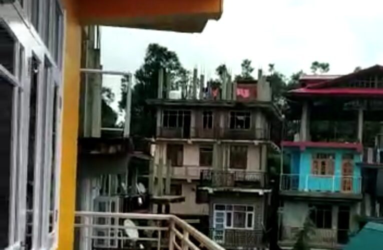4 Bhk Independent floor for sale in Ghanati Shimla ——– Drive in ——– Sunny & Beautiful view ——– Close to Market ——- Price – 49 Lakhs —– Contact Us:- 92182271`22 – 23