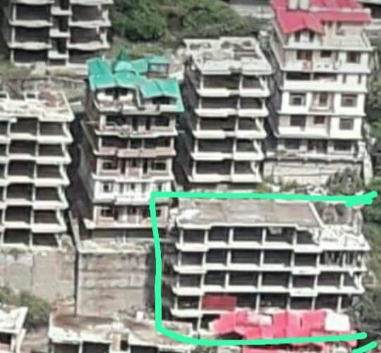 4+Approved Independent Structure for sale in Chakrayal  near IVY International School Shimla —– Plot area – 427 SQM —— Total Covered area – 684.16 SQM —– Permissable area as par F.A.R 1.75 – 747.25 SQM ( 6 flat + 2 Duplex ) —– Price – 1.75 Cr —— Contact Us:- 9218227122 – 23