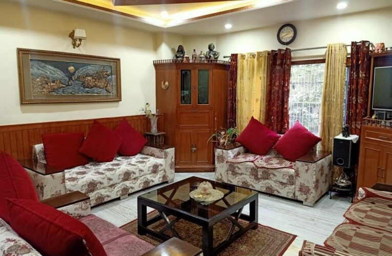 5 Bhk flat for Sale in Vikasnagar Shimla Himachal Pradesh — Drive in without Parking —– Close to main Road —–  Covered area – 2000 Sq ft —— Price – 1.30 Cr —– Contact Us:- 9218227122 – 23