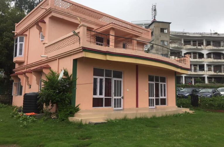 4 Bhk Cottage for sale in Barog Heights Distt. Solan Himachal Pradesh —– Drive in —– Plot area – 13 Biswa —- Sunny & Beautiful View —– Usable for  Residential & Home Stay —– Price – 1.60 Cr —– Contact Us:- 9218227122 – 23