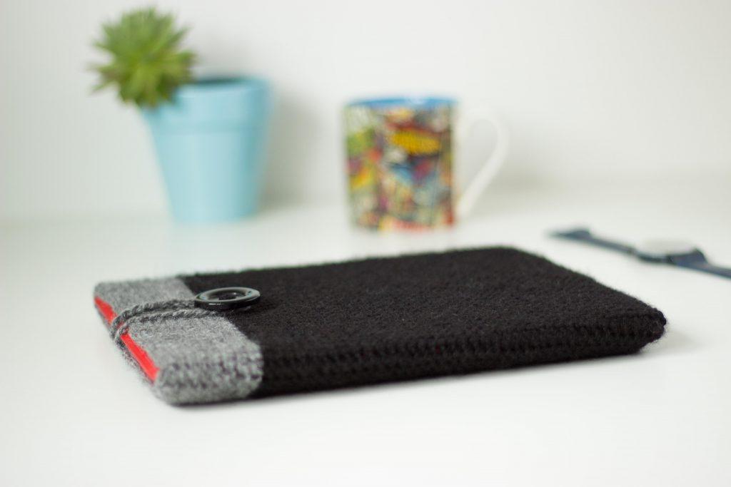 Crochet ipad case for men