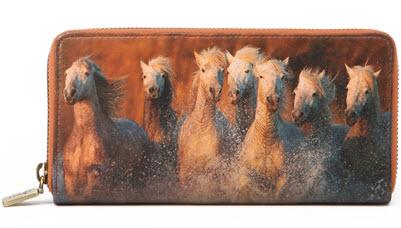 horse-wallet-side