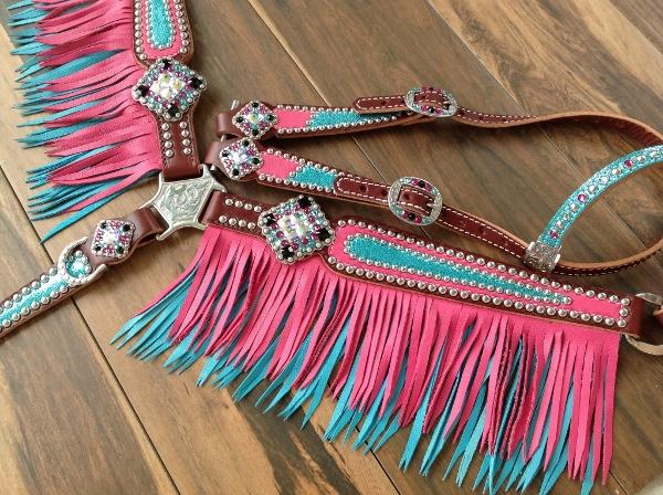 pink and turquiose tack set