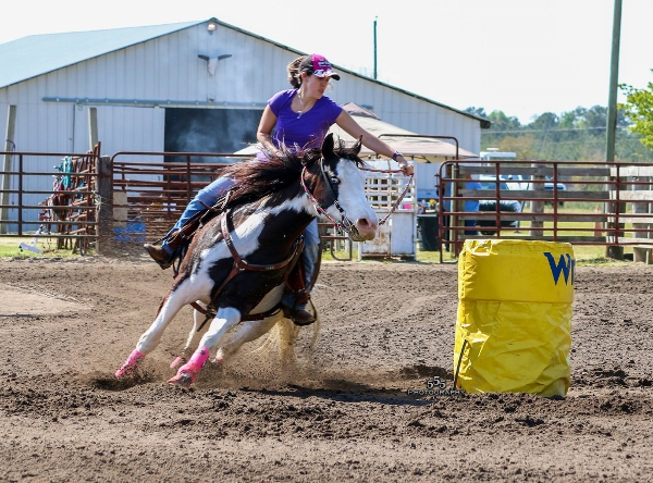 bar h arena barrel race